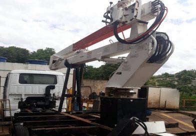 Semea recebe da Unimed Plataforma Elevatória que auxiliará na poda de galhos altos
